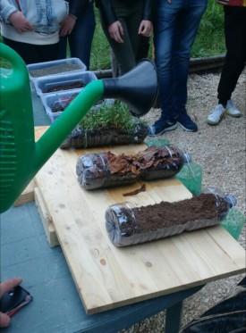 Un esperimento di facile realizzazione ci mostra accade quando priviamo il terreno della sua copertura vegetale